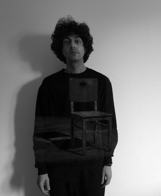 A CHAIR – performance artistica di Nicola Favale